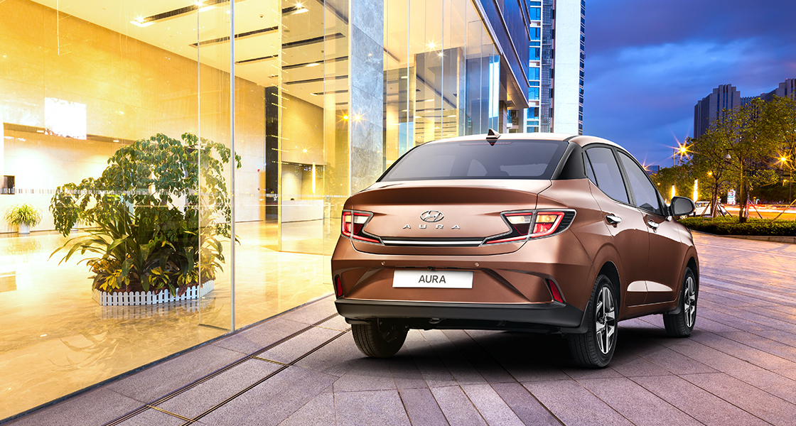 Rear view of red Elite i20