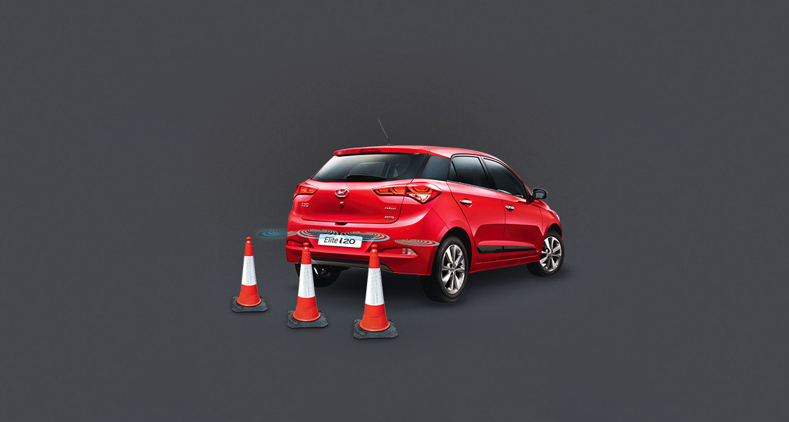 Red Elite i20 parking with rear parking assist system