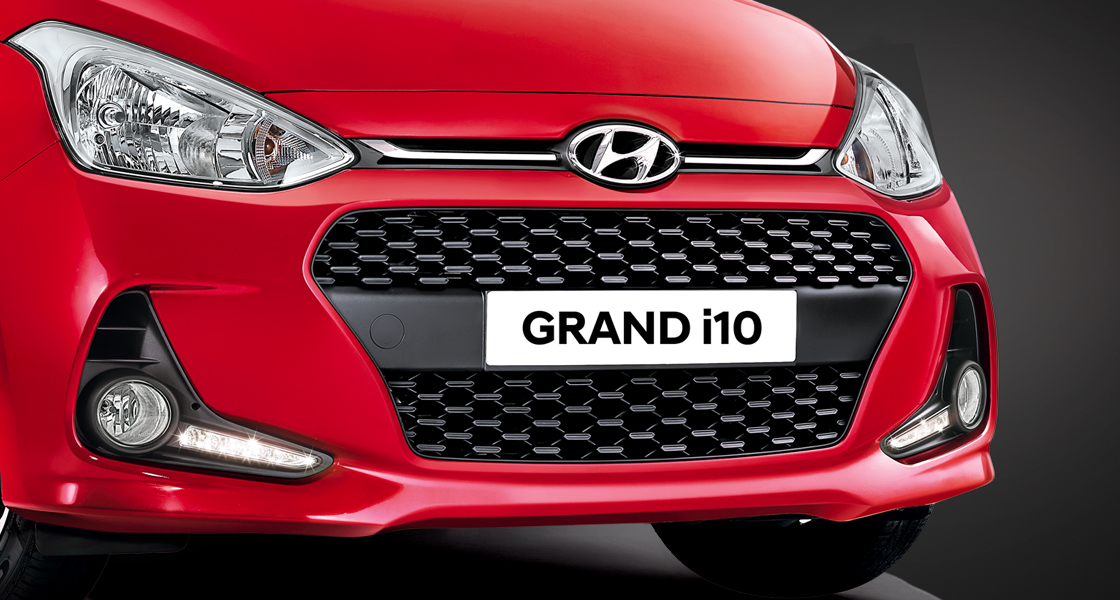 Chrome-coated radiator grille with Hyundai Motors Company logo