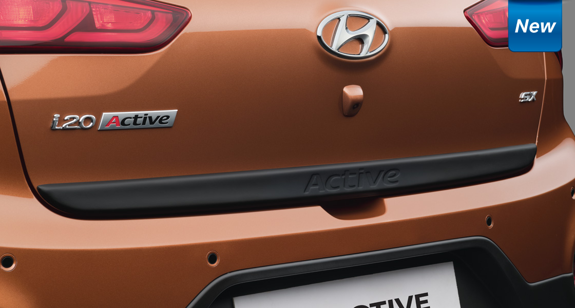 Rear bumper with contrasting insert