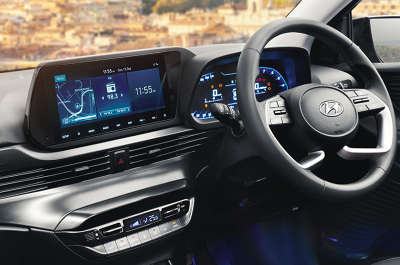 Center fascia with navigation screen